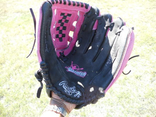 gloves baseball, cricket vs baseball, bat ball games, baseball equipment