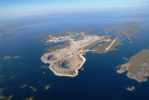 Diavik mine - Photo courtesy of The Diavik Diamond Mine