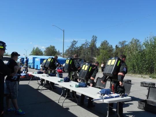 Ekati Underground Rescue - mounting oxygen tanks